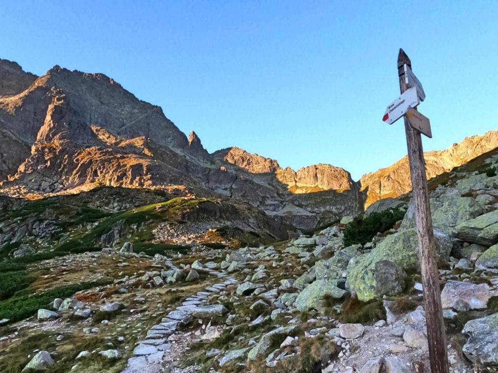 Dolina za Mnichem, szlaki