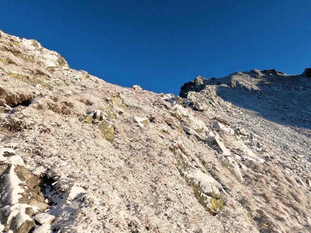 Wejście na Wołowcową Przełęcz